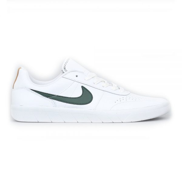 "The Nike SB Team Classic PRM by Guy Mariano. Made from high quality leather together with a durable rubber sole. White and galactic jade color scheme with the classic nike swoosh. Now in stock the Nike SB Team Classic PRM by Guy Mariano. A Laced Shoe with closed nose by Nike called the Nike SB Team Classic PRM by Guy Mariano made of high quality leather together with a durable rubber sole. The rubber sole of the Team Classic PRM by Guy Mariano has a waffled like texture for accellerated board feel. Team classic PRM is also equipped with La Mano Cornuta on the inlay sole which means ""The Horned Hand"" in Italian, a good luck charm  and protection against the Evil Eye. According to Guy Mariano this shoe with ultra clean silhouette reminds him of his favorite pasta dish. Productcode: AR0767101 This Shoe Nike SB Team Classic PRM has a galactic jade green with color scheme. If ordered now it will be at your door at high speed by fast shipping. Want to find fitting apparel? See Apparel by Adidas combine it with other brands in our webshop in the Shoes Apparel Headwear Specials Hardware Accessoires. More info can be found at the online headquarters of Adidas Skateboarding. Don't forget to check out our sale page to get lucky. Fier skateshop is based in Dordrecht and is the number one skate shop in the Drechtsteden for shoes, clothing, hardware, service and a big smile when it comes to skateboarding. Also follow us on social media Instagram,Facebook to make sure you're up to date with new products and specials."